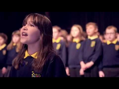 10 Yaşındaki Otizmli Kızdan Muazzam Hallelujah Performansı