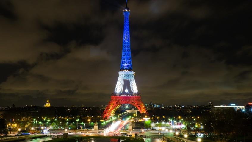 Tour_Eiffel_Nov_2015_paysage-e1478544536939