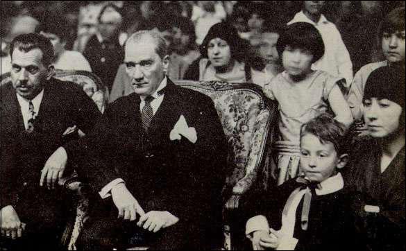 Ataturk-23-4-1929-celebrations
