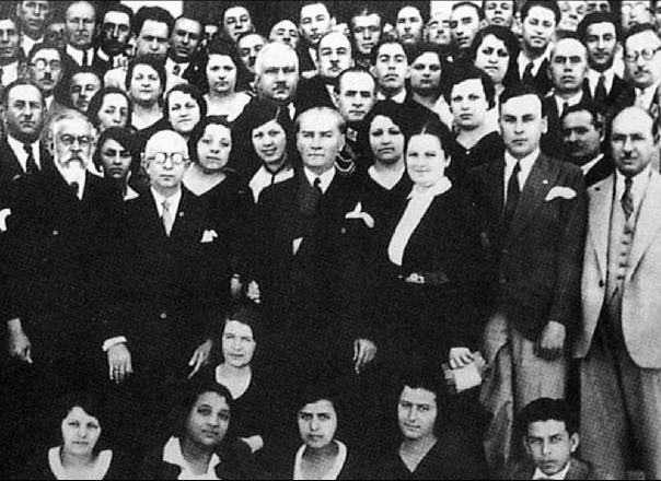 Mustafa_Kemal_and_establishment_of_Turkish_History_Institution